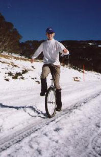 Snow unicycle
